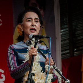 Aung San Suu Kyi courts ethnic vote